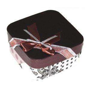 cutie de bijuterii cu aspect vintage elegant
