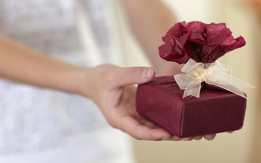 cadouri deosebite barbati si femei